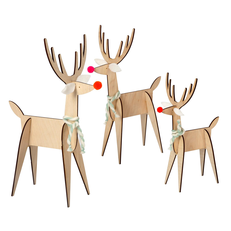 wooden reindeer christmas decorations