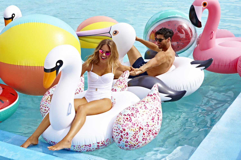 Gonfiabile luxe cigno for Cigno gonfiabile per piscina