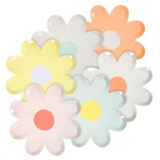 Daisy Plates in pastel, large from Meri Meri :: Baby Bottega