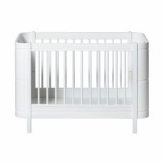 Crib in white from the Wood mini + Collection by Oliver Furniture :: Baby Bottega
