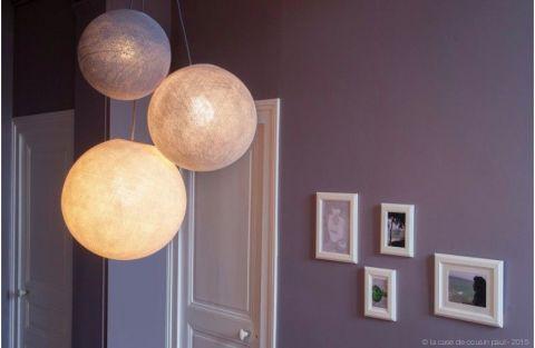 Lampadario sfere lino-ecru-bianco di La Case de Cousin Paul :: Baby Bottega
