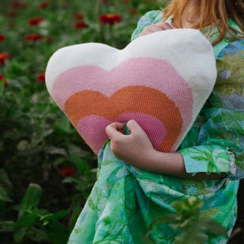 Cuscino a forma di cuore di Bla Bla :: Disponibile online su Design Bottega
