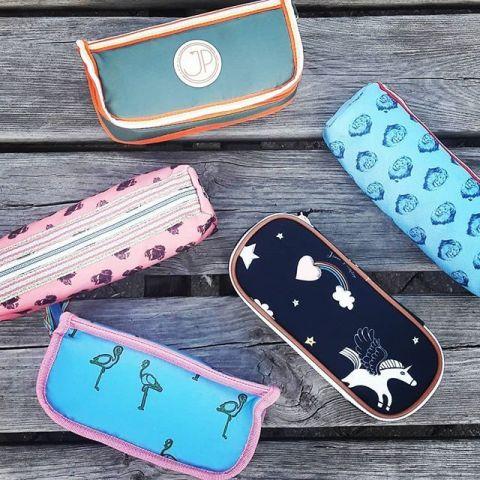 Astuccio con unicorni e arcobaleni :: Jeune Premier disponibile online su Baby Bottega