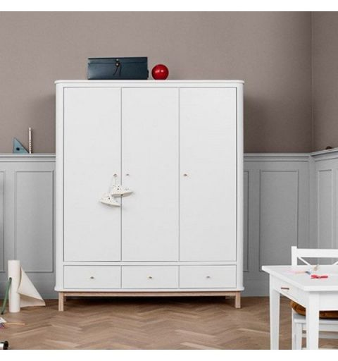 Wardrobe 3 doors, in white & oak from Oliver Furniture :: Baby Bottega