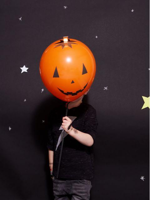 8021_halloween_balloons